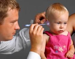 Простуда закладывает уши чем лечить в домашних условиях