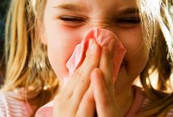 Как лечить насморк у ребенка?