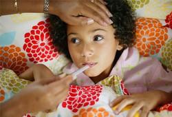 Как сбивать температуру у ребенка