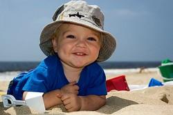 Как обеспечить безопасность ребенка в жаркую погоду?