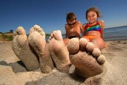 Солнечные ожоги у детей: фото, профилактика, лечение