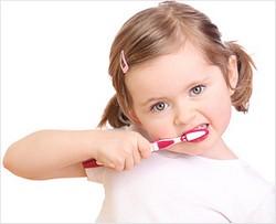 Правильный уход за зубами ребенка от одного до трех лет