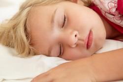 Девочка 4 года, спит