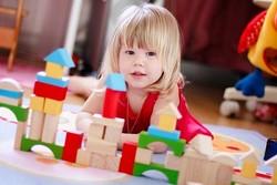 Как правильно выбрать игрушки для детей от 0 до 3 лет