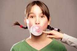 Жвачка, девочка, пузырь