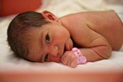 Желтушка у новорожденных: лечение в домашних условиях